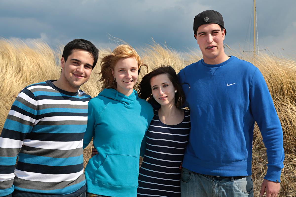 Freiwillige an der Ostsee